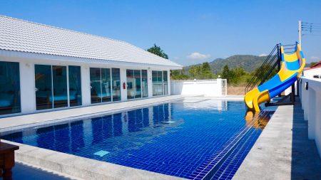 บ้านพักหัวหิน - White Nicha Pool Villa