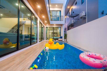 บ้านพักชะอำ - Decem Pool Villa